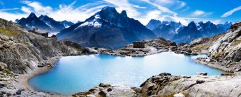 Vista do Lago de montanha — Fotografia de Stock
