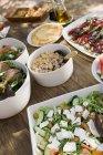 Середземноморської кухні подаються на відкритому повітрі — стокове фото