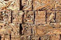 Domenica stack illuminato di schiacciata rame tubi — Foto stock