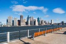 Waterfront view of  Manhattan skyline, New York City, USA — Stock Photo