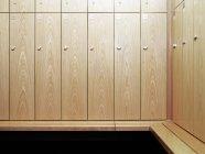Spogliatoi in palestra spogliatoio, vista frontale — Foto stock