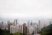 Paisagem urbana com arranha-céus — Fotografia de Stock