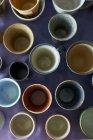 Grupo grande de cerámica tradicional japonesa - foto de stock