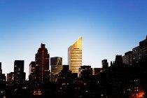Manhattan Skyline bei Nacht — Stockfoto