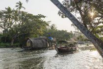 Maisons flottantes, Backwaters du Kerala, Kerala, Inde — Photo de stock