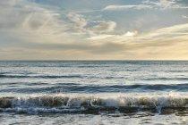 Мальовничий вид на пляж Куріона, Episkopi, Кіпр — стокове фото