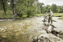 Coppia nel fiume pesca a Mosca — Foto stock