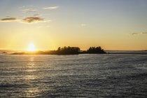 Закат на морском хребте, Тихоокеанский национальный парк, остров Ванкувер, Британская Колумбия, Канада — стоковое фото