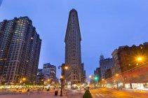 Ferro piano edificio all'alba, New York, Stati Uniti — Foto stock