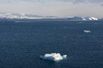 Айсбергів в Ллуліссатську icefjord, диско-Бей, Гренландія — стокове фото