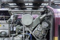 Крупним планом двигуном поїзд у залізничного робіт — стокове фото