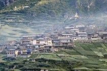 Traditional hillside village, Zhagana, Gansu, China — Stock Photo