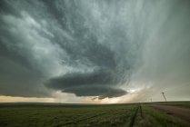 Supercell inizia nell'estremo nord del Colorado, Grover, Colorado, USA — Foto stock