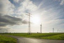 Eoliennes tôt le matin, Rilland, Zélande, Pays-Bas, Europe — Photo de stock