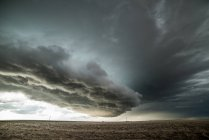 Tornado a averti supercell dans l'est des plaines du Colorado, Yuma, Colorado, USA — Photo de stock