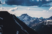 Gama de la montaña, Ural, Sverdlovsk, Rusia - foto de stock