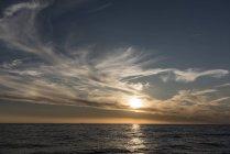 Paysage marin et horizon au coucher du soleil, Porquerolles, Provence-Alpes-Côte d'Azur — Photo de stock