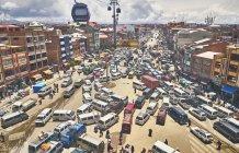 Erhöhte Sicht auf den Verkehr in der Stadt, el alto, la paz, Bolivien, Südamerika — Stockfoto