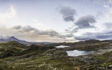 Paisagem com lagos, Parque Nacional Torres del Paine, Chile — Fotografia de Stock