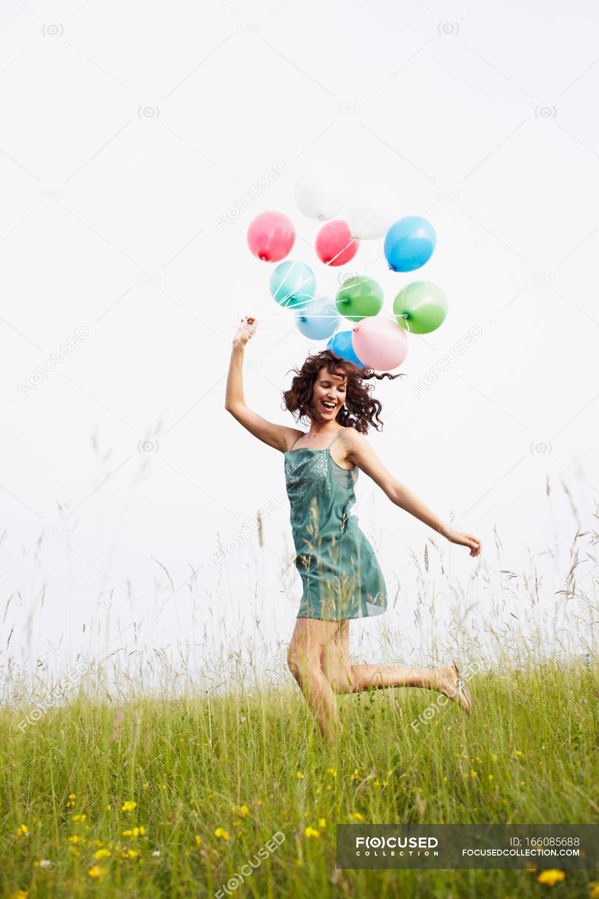 жалко как сделать фото м шарикам в прыжке распространена