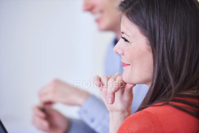 Cropped view of colleagues in meeting — Stock Photo