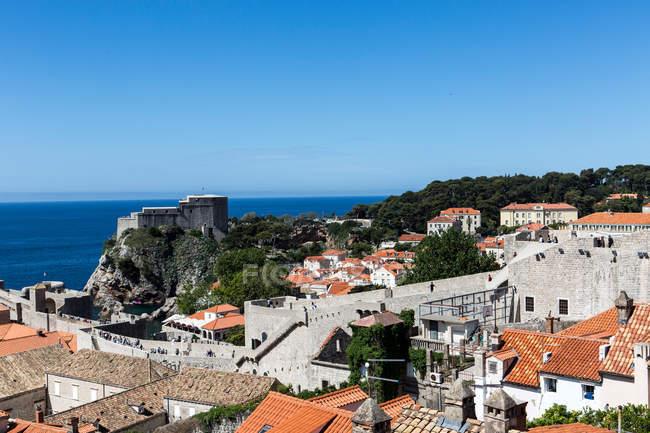 City walls and Fort Lovrijenac — Stock Photo
