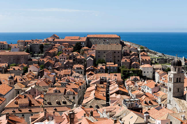 Терракотовая крыша городской пейзаж старого города — стоковое фото