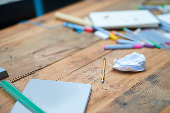 Notebook and pencil on table — Stock Photo