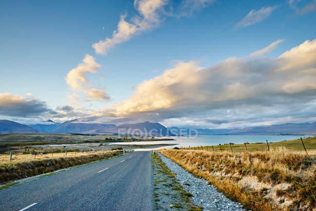 Route to Lake Tekapo — Stock Photo