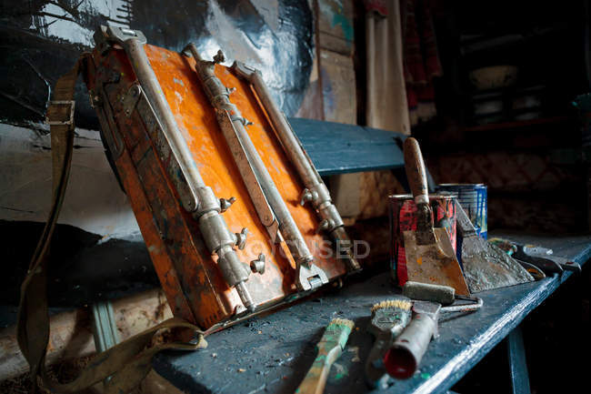 Art equipment in artists studio — Stock Photo