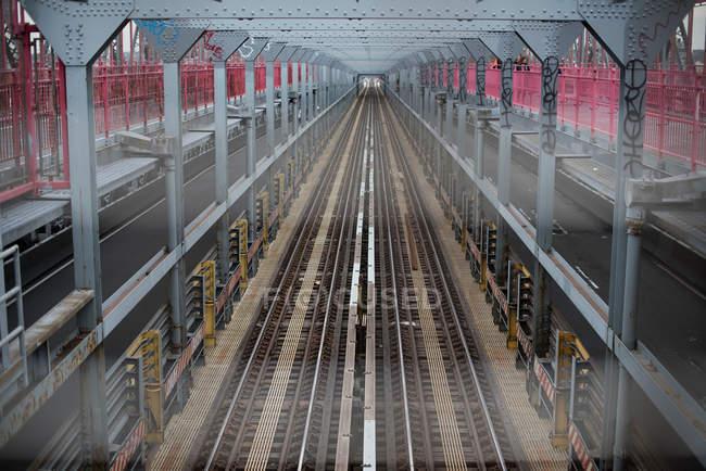 Vista de la plataforma del metro - foto de stock