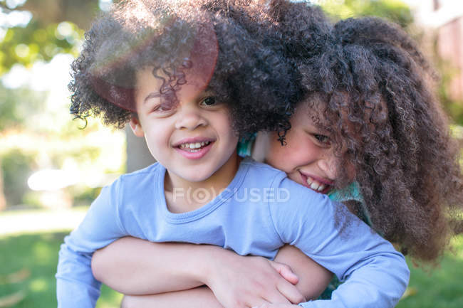 Portrait of two sisters — Stock Photo