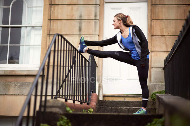 Young female runner — Stock Photo