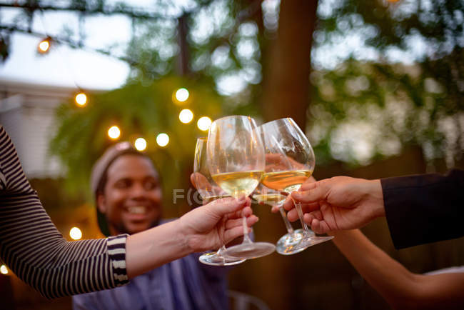 People at garden party — Stock Photo