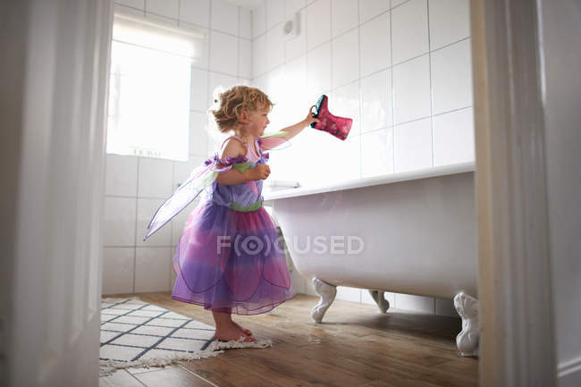 Girl dressed in fairy costume — Stock Photo