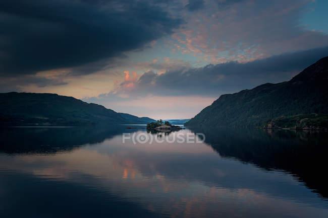 Scenic view of Ullswater sunset — Stock Photo