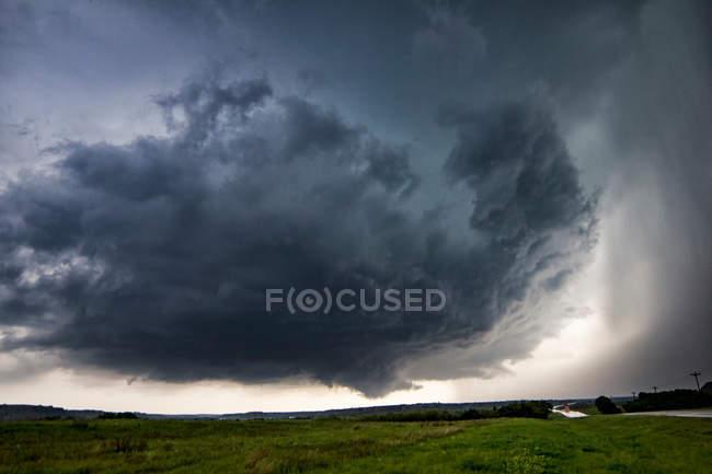 Обертовий Змінна хмарність над сільській місцевості — стокове фото