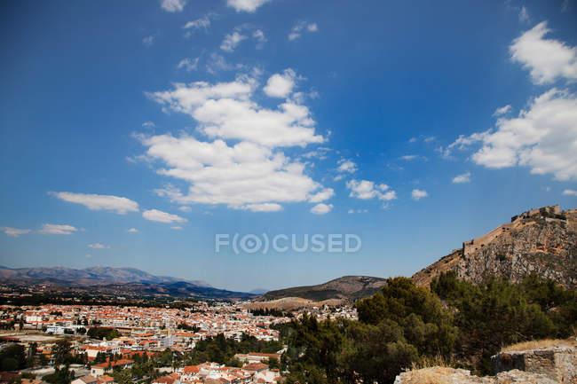 Tal Stadtbild und Palamidi-Festung — Stockfoto
