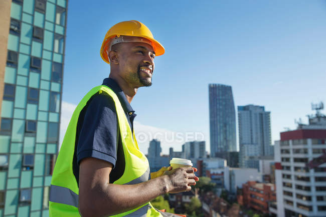 Construction worker outdoors — Stock Photo