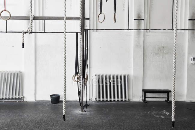 Мотузки і Кільця гімнастичні — стокове фото
