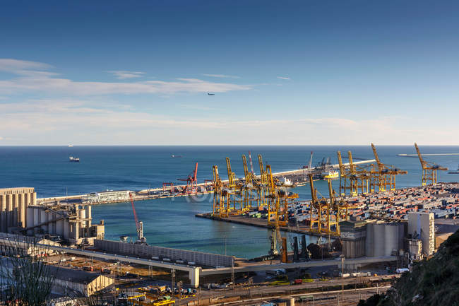 View of commercial port in Barcelona — Stock Photo