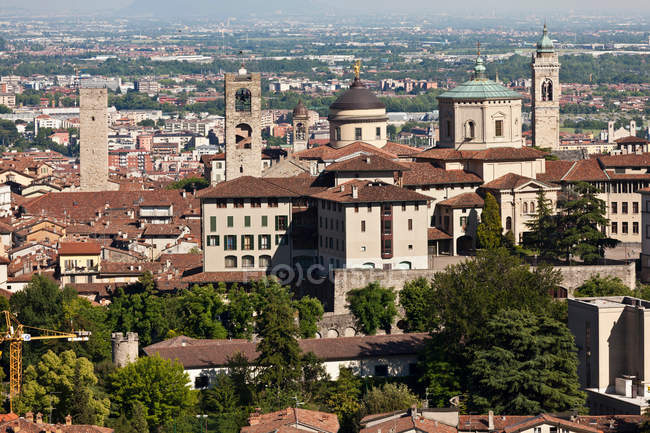 Elevated view of buildings in bergamo city — Stock Photo