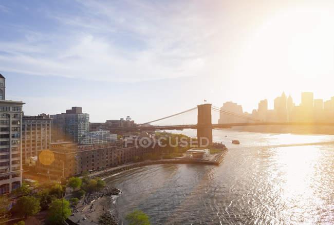 Sunlit Brooklyn Bridge — Stock Photo