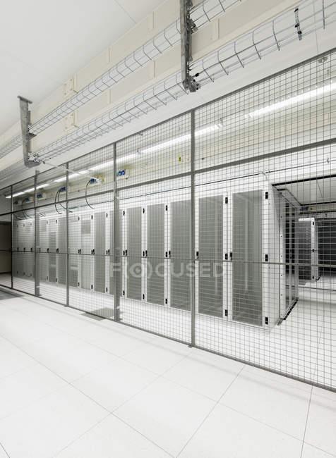 Abschnitt im Datawarehouse Lagerung eingezäunt — Stockfoto
