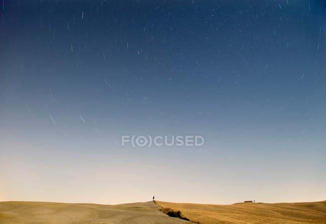 Landschaft und Sterne in der Toskana — Stockfoto