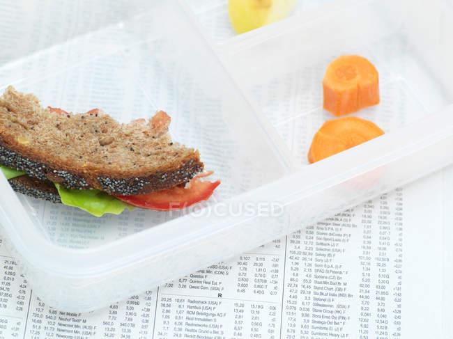 Cibo mangiato in lunchbox — Foto stock
