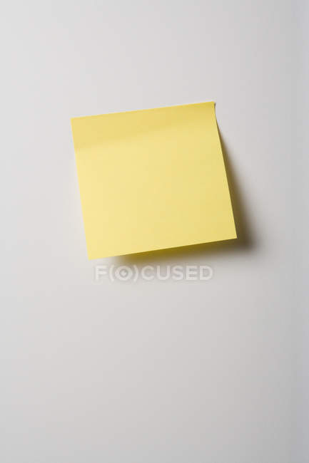 Adhesive note on wall — Stock Photo