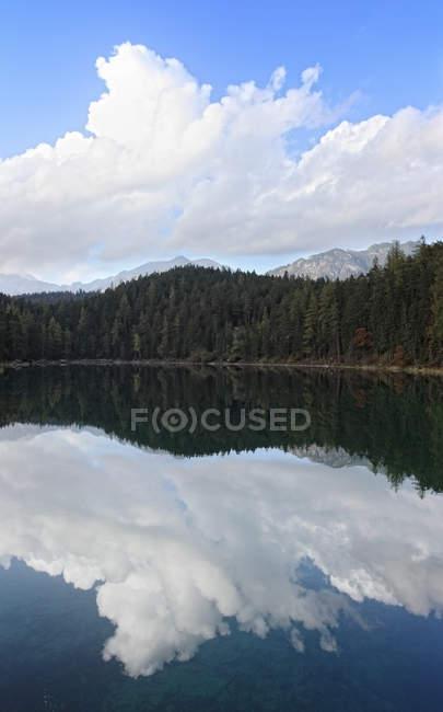 Vue du lac Eibsee — Photo de stock
