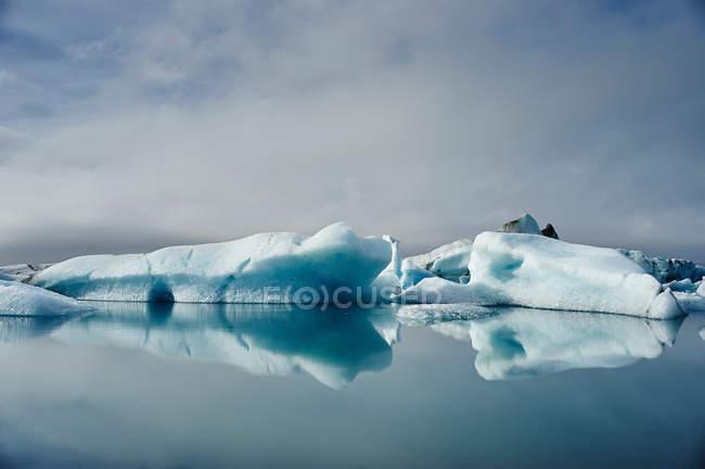 Lago glaciale di Jokulsarlon — Foto stock