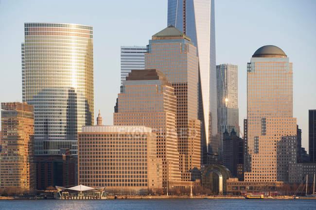New York City Skyline und Wasser — Stockfoto